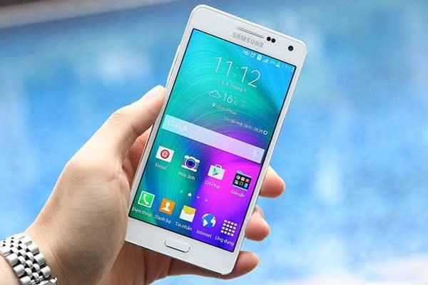 Phonecare, lựa chọn tuyệt vời với dịch vụ thay màn hình Samsung